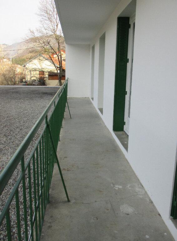 Appartement à louer 4 65m2 à Serres vignette-3