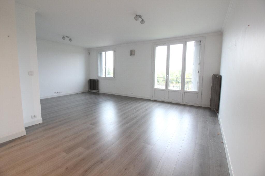 Appartement à louer 3 69m2 à Étampes vignette-1