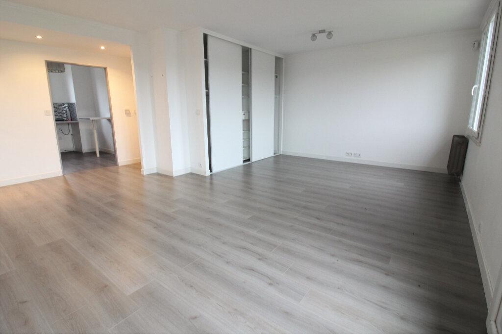 Appartement à louer 3 69m2 à Étampes vignette-2