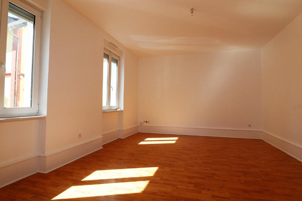 Appartement à louer 3 65m2 à Schiltigheim vignette-2