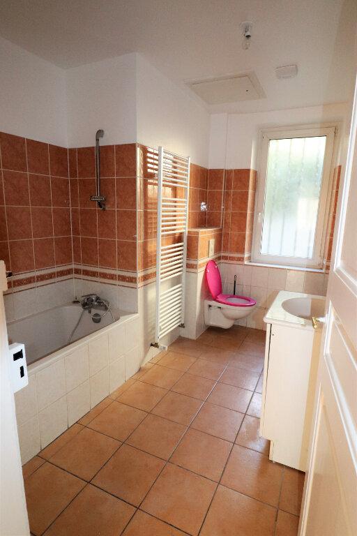 Appartement à louer 3 65m2 à Schiltigheim vignette-5