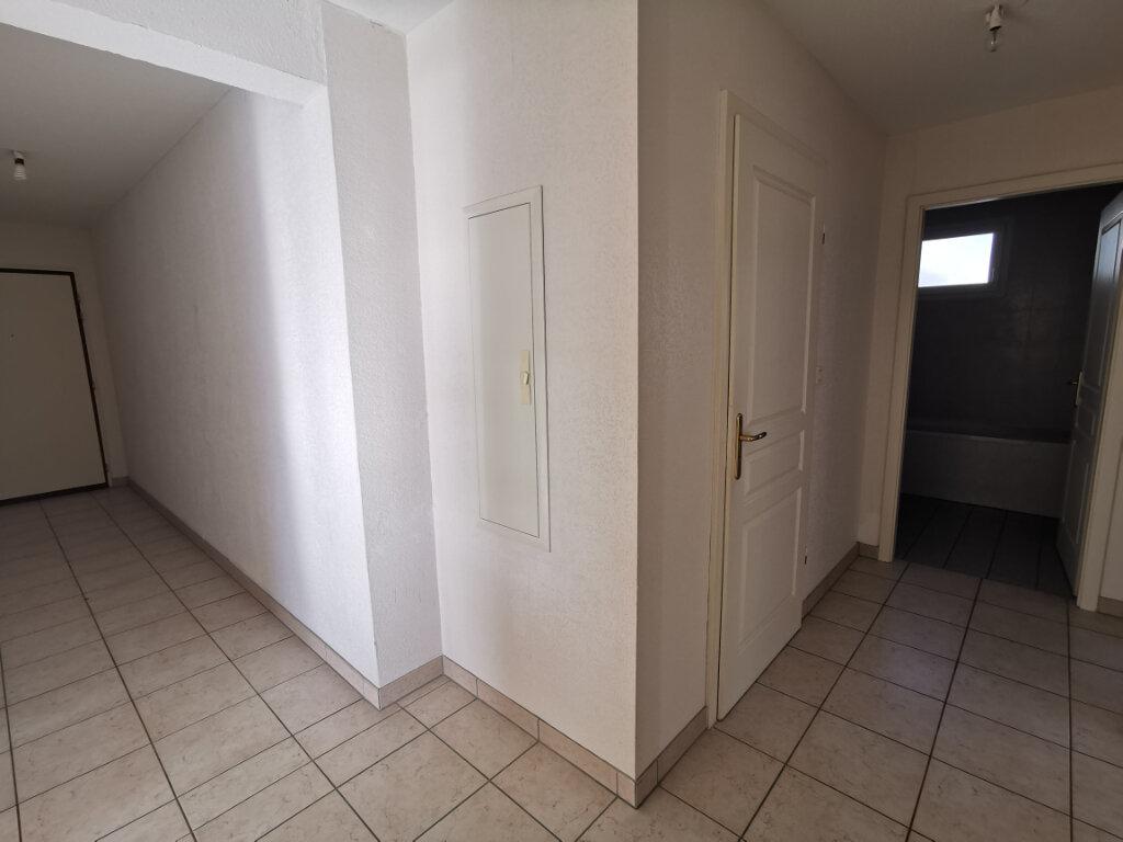 Appartement à louer 3 71.14m2 à Souffelweyersheim vignette-5
