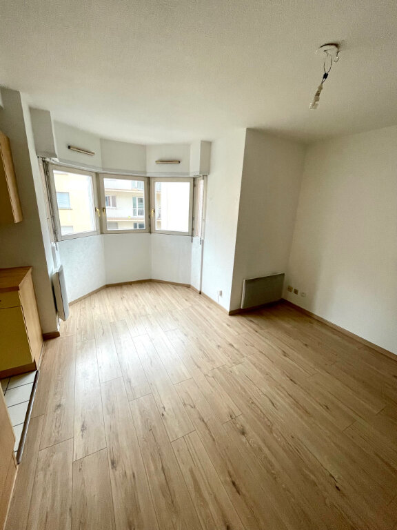 Appartement à louer 2 37.92m2 à Strasbourg vignette-2
