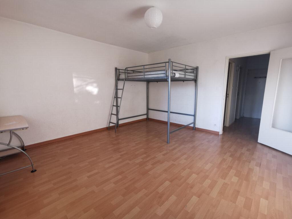 Appartement à louer 1 34m2 à Strasbourg vignette-2