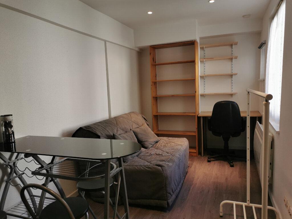 Appartement à louer 1 16.36m2 à Strasbourg vignette-2