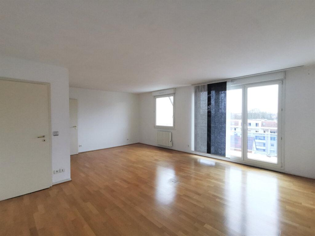 Appartement à louer 3 79m2 à Schiltigheim vignette-1