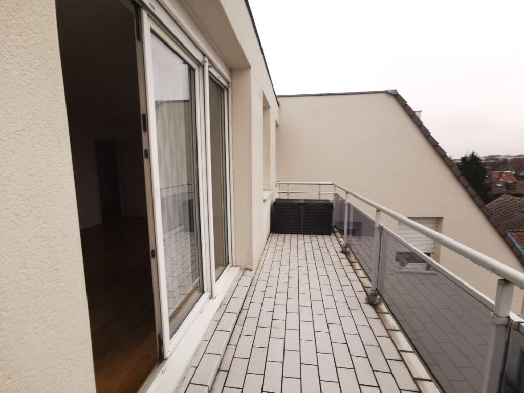 Appartement à louer 3 79m2 à Schiltigheim vignette-4