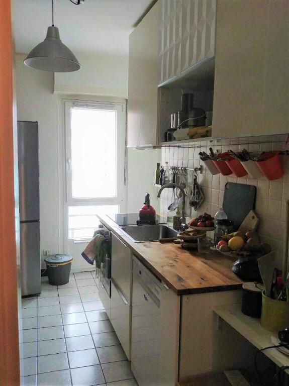 Appartement à louer 3 72.48m2 à Strasbourg vignette-3