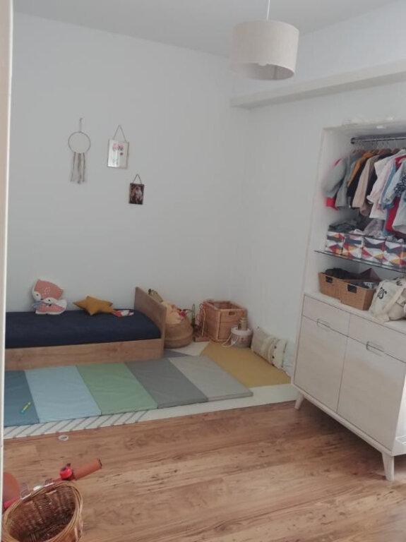 Appartement à louer 3 72.48m2 à Strasbourg vignette-4