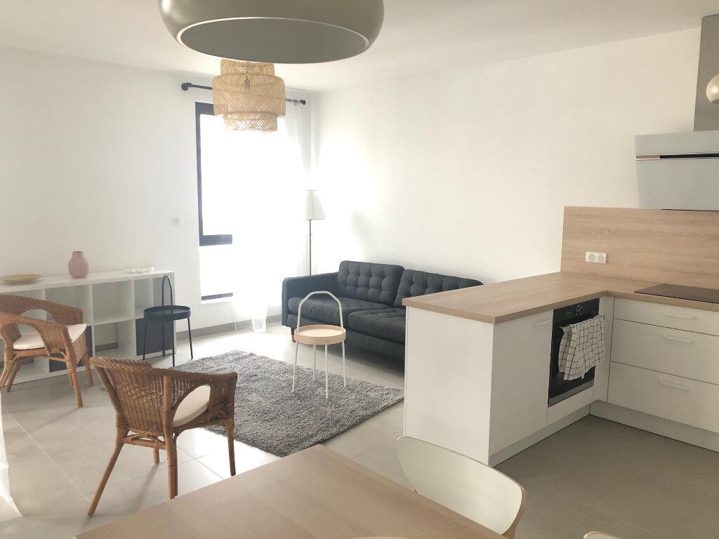 Appartement à louer 3 64.8m2 à Strasbourg vignette-2
