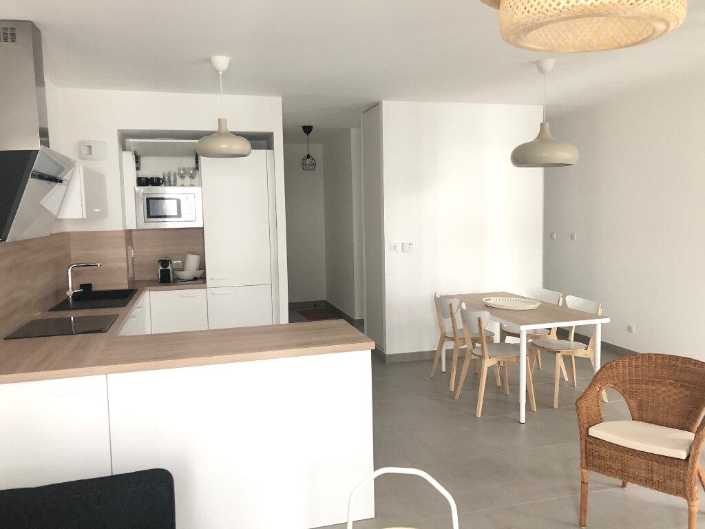 Appartement à louer 3 64.8m2 à Strasbourg vignette-3