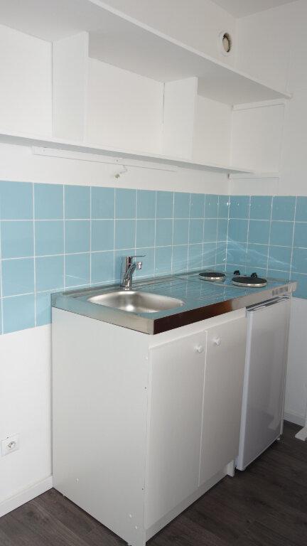 Appartement à louer 1 22.5m2 à Strasbourg vignette-3