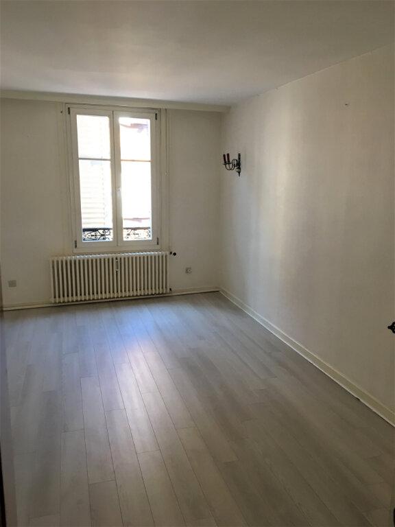 Appartement à louer 3 75m2 à Obernai vignette-3