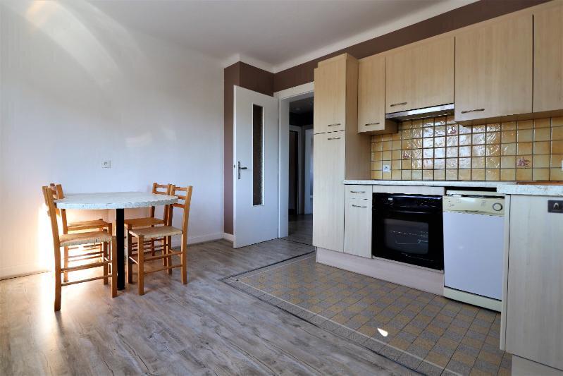 Appartement à louer 3 76m2 à Ittenheim vignette-3