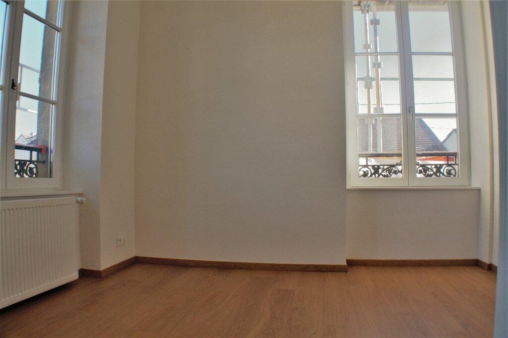 Appartement à louer 3 68m2 à Horbourg-Wihr vignette-2
