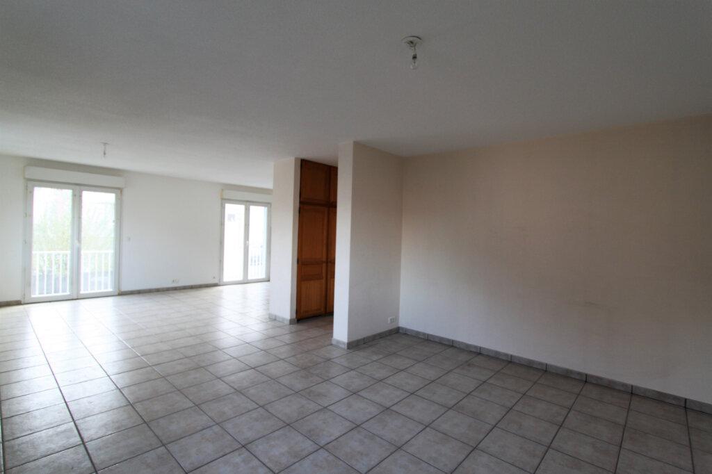 Appartement à vendre 3 90.36m2 à Mulhouse vignette-2