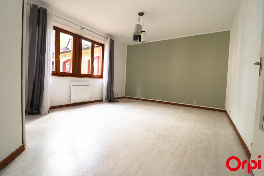 Appartement à louer 2 45m2 à Turckheim vignette-2