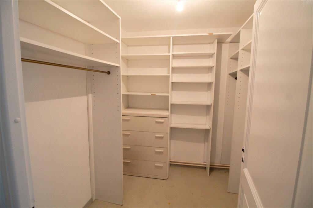 Appartement à louer 3 110m2 à Colmar vignette-4