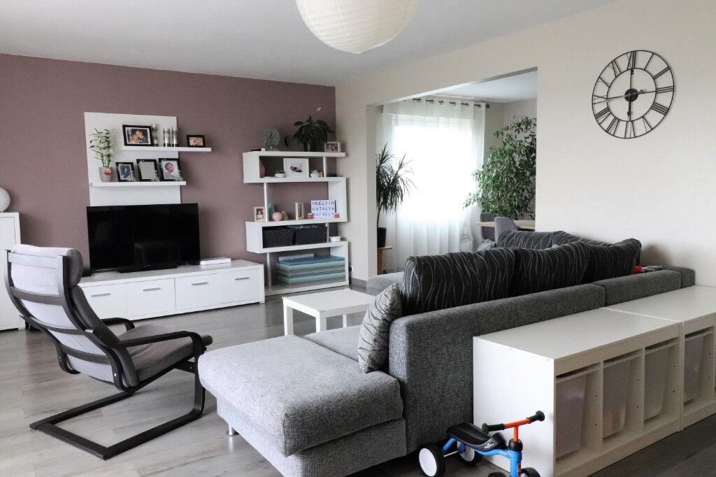 Appartement à vendre 4 130m2 à Mulhouse vignette-1