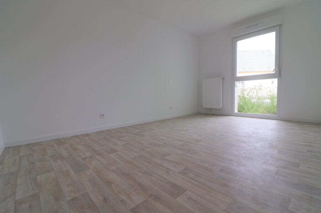 Appartement à vendre 3 66m2 à Kembs vignette-1