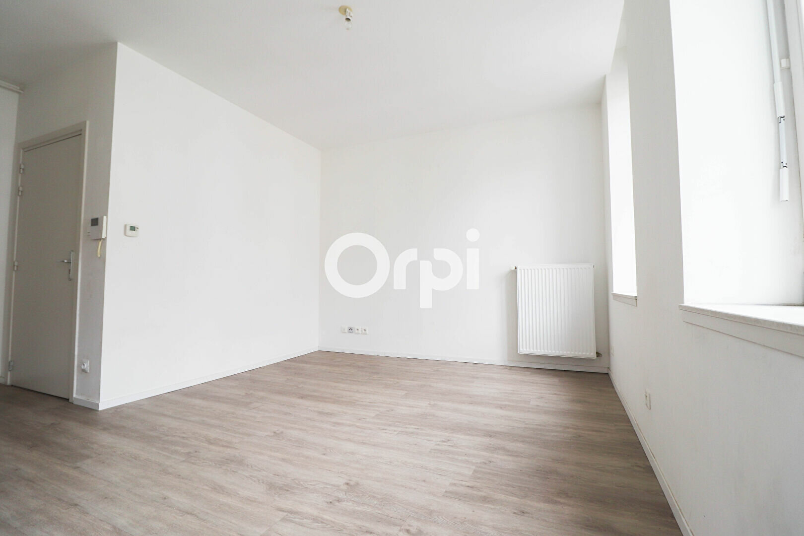 Appartement à louer 2 55m2 à Colmar vignette-2