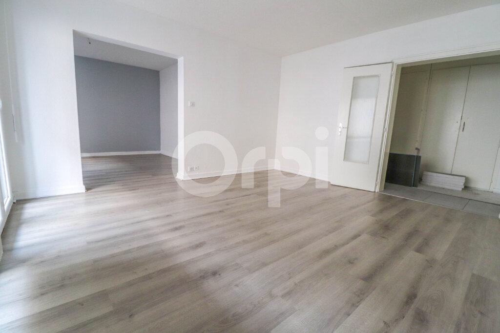Appartement à louer 2 74m2 à Colmar vignette-2
