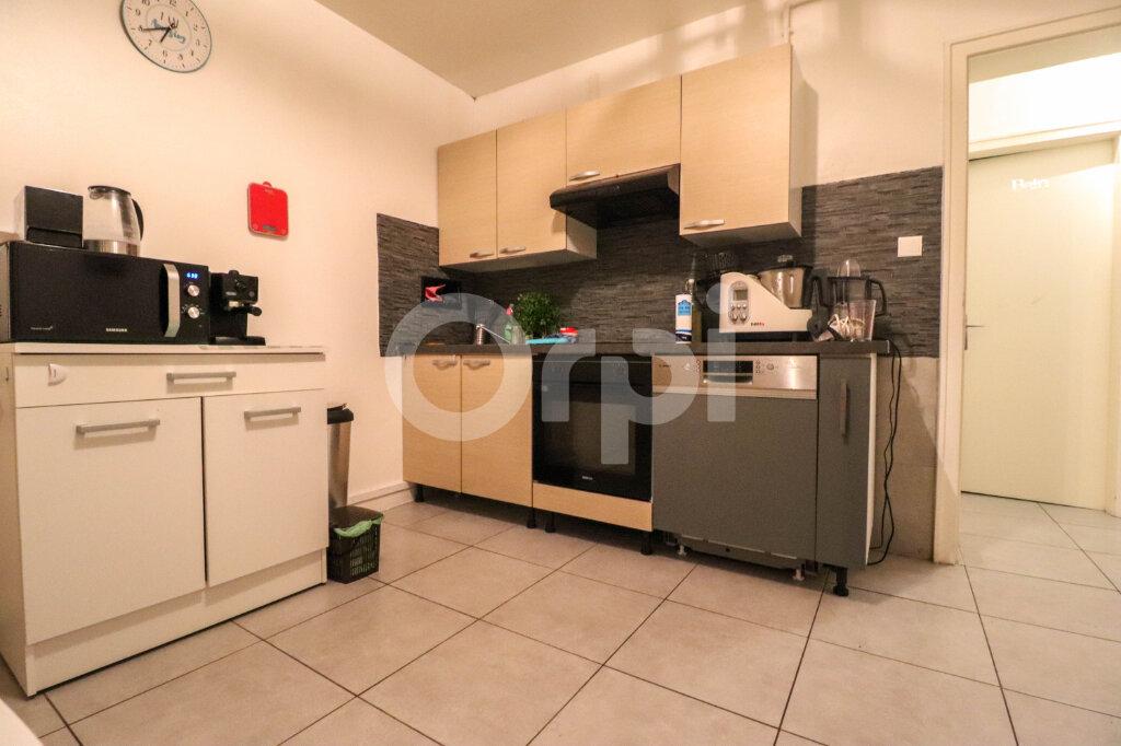 Appartement à louer 2 74m2 à Colmar vignette-4