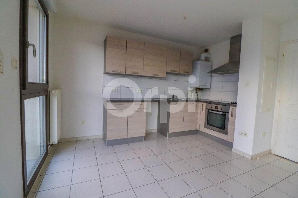 Appartement à louer 4 81.57m2 à Ribeauvillé vignette-2