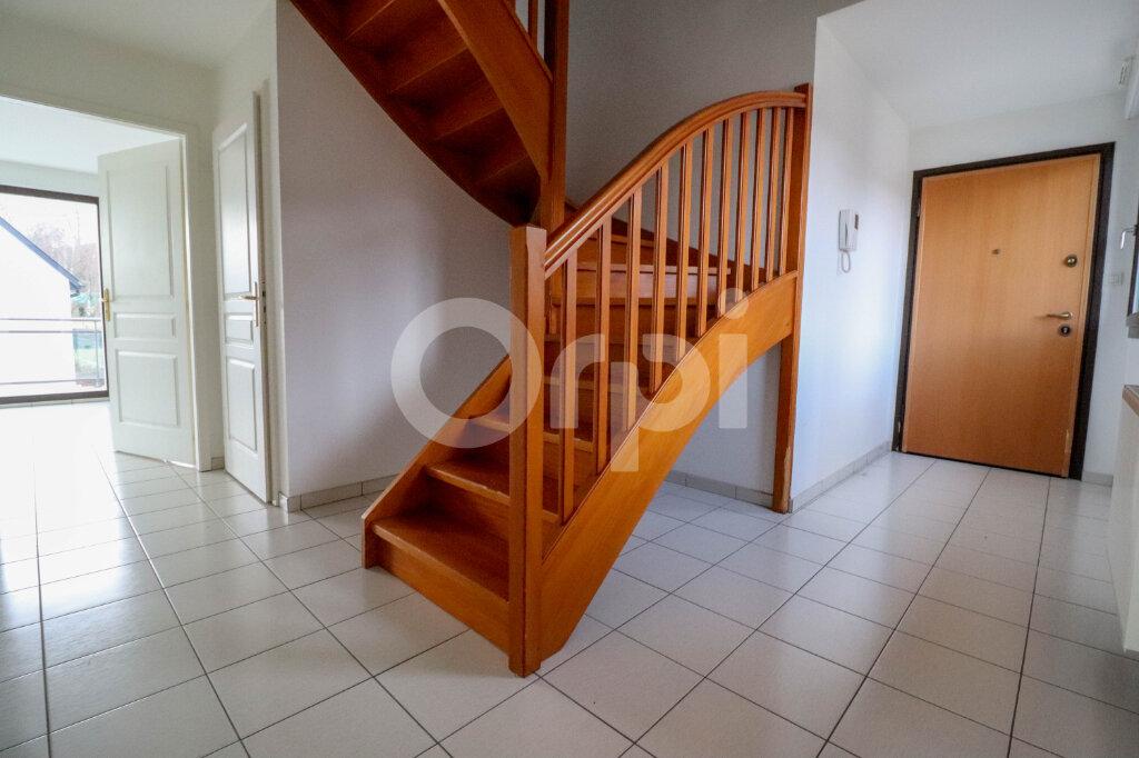 Appartement à louer 4 81.57m2 à Ribeauvillé vignette-4