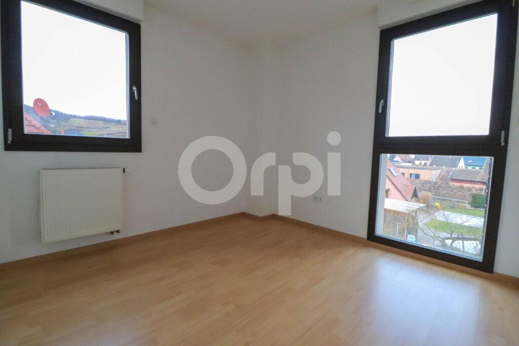 Appartement à louer 4 81.57m2 à Ribeauvillé vignette-5