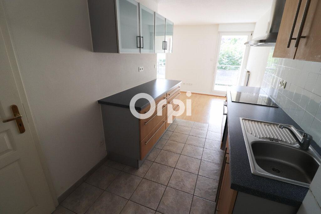 Appartement à louer 3 69.72m2 à Colmar vignette-4