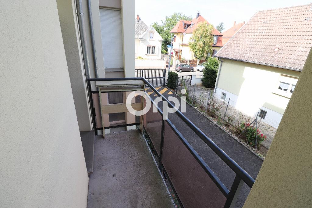 Appartement à louer 3 69.72m2 à Colmar vignette-7
