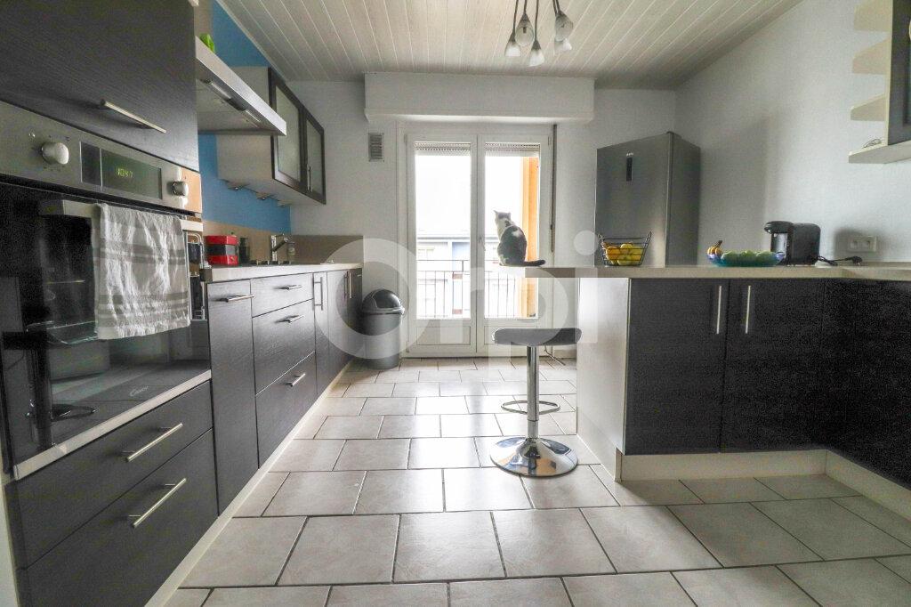Appartement à louer 3 79m2 à Colmar vignette-2