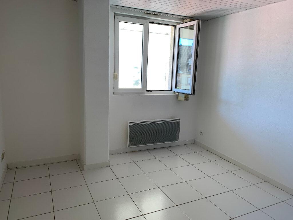 Appartement à louer 2 30.85m2 à Mulhouse vignette-1