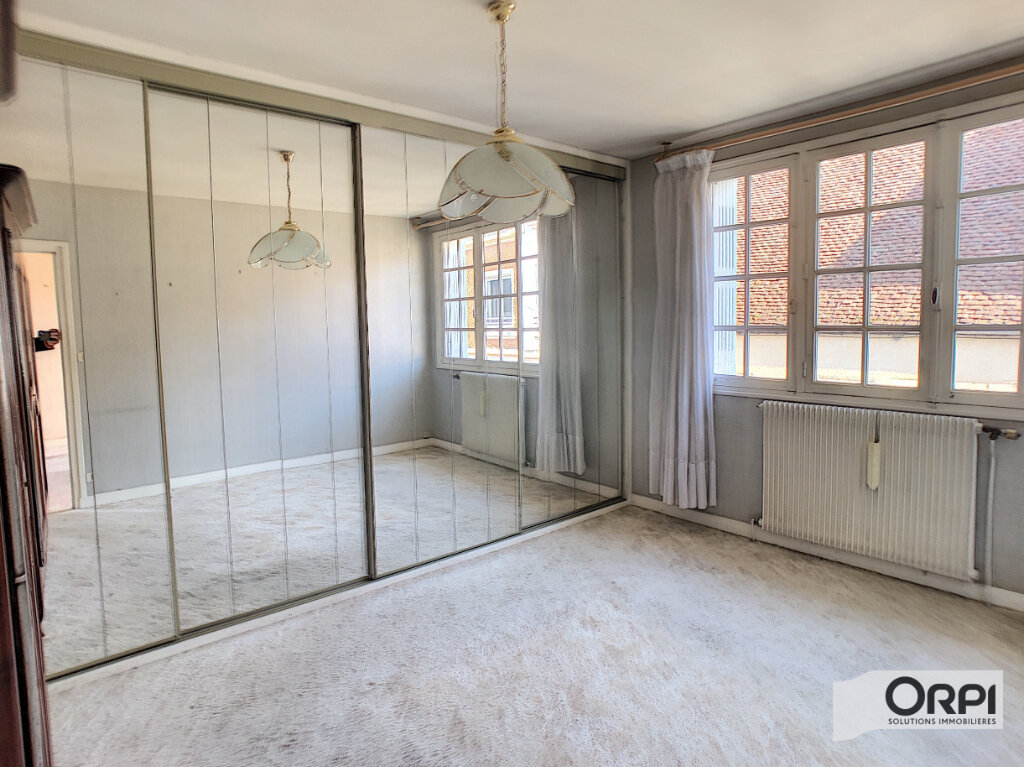 Maison à vendre 4 113m2 à Saint-Amand-Montrond vignette-6