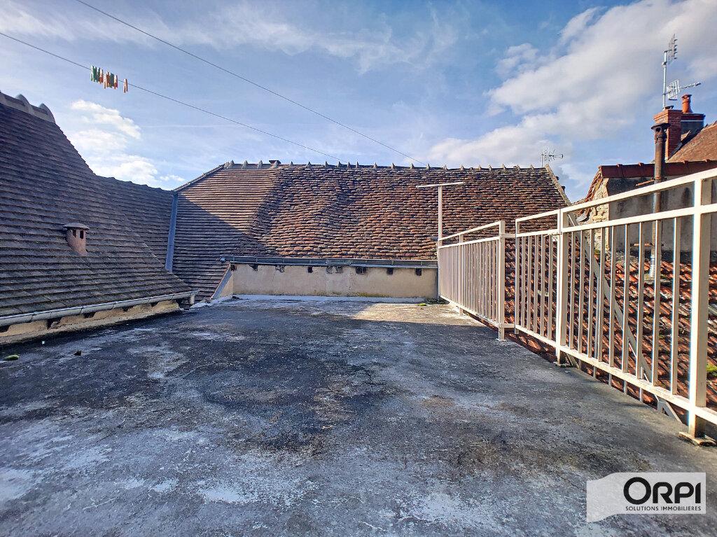 Maison à vendre 4 113m2 à Saint-Amand-Montrond vignette-7