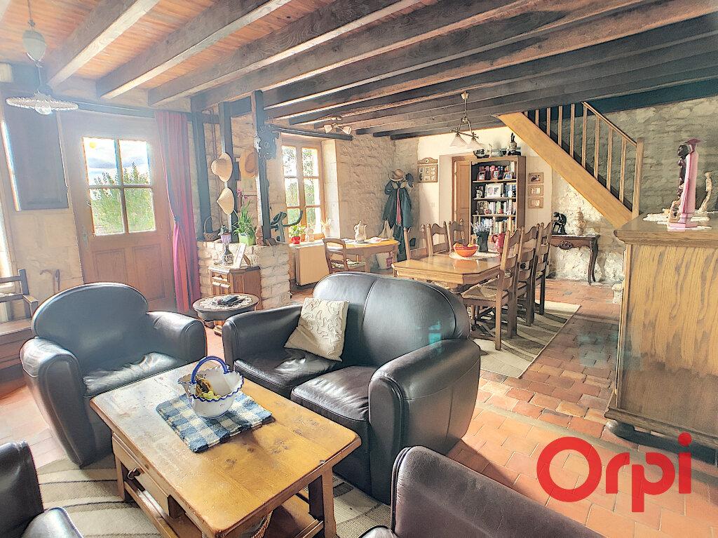 Maison à vendre 4 113.3m2 à Ids-Saint-Roch vignette-5