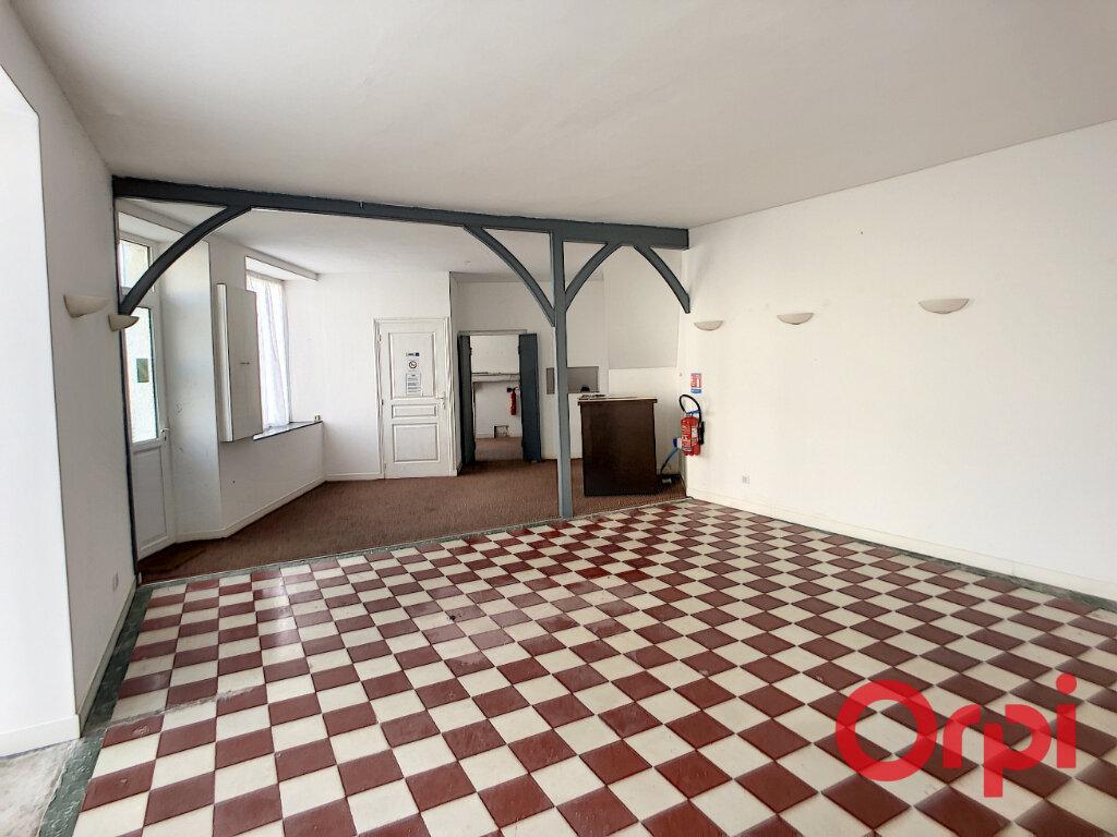 Maison à vendre 10 153m2 à Bessais-le-Fromental vignette-3