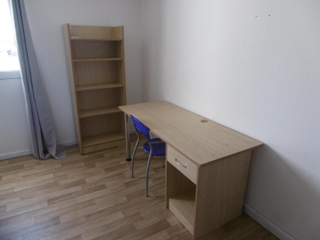 Appartement à louer 1 24.3m2 à Montpellier vignette-3