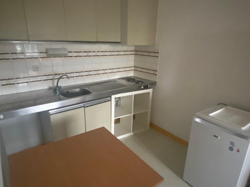 Appartement à louer 1 27m2 à Montpellier vignette-3