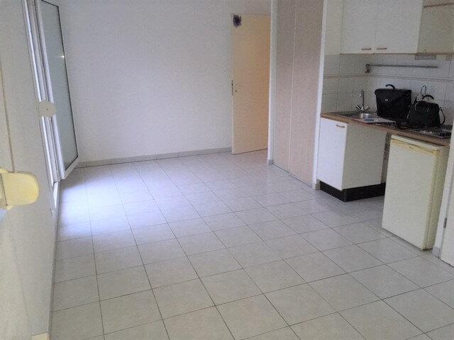 Appartement à louer 2 30.57m2 à Grabels vignette-2