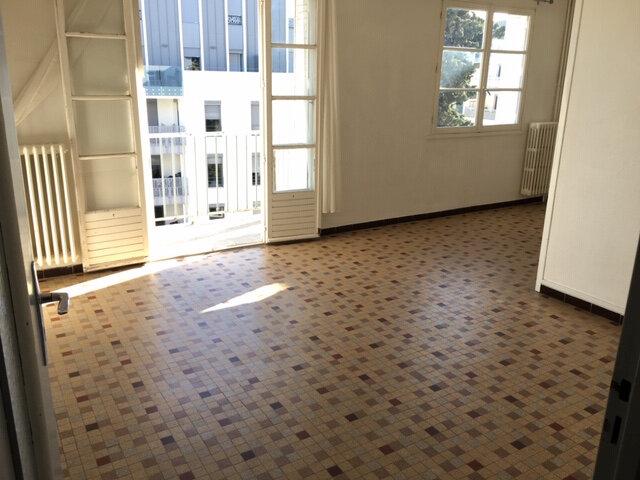 Appartement à louer 3 63m2 à Montpellier vignette-1
