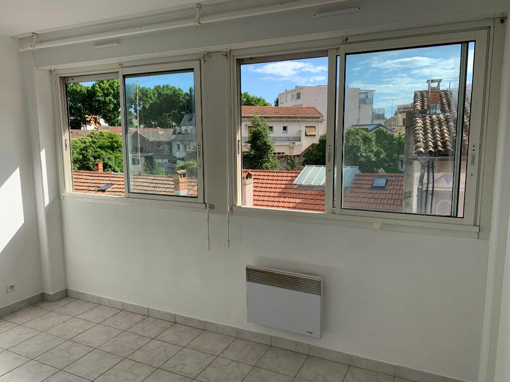 Appartement à louer 2 33.69m2 à Montpellier vignette-2