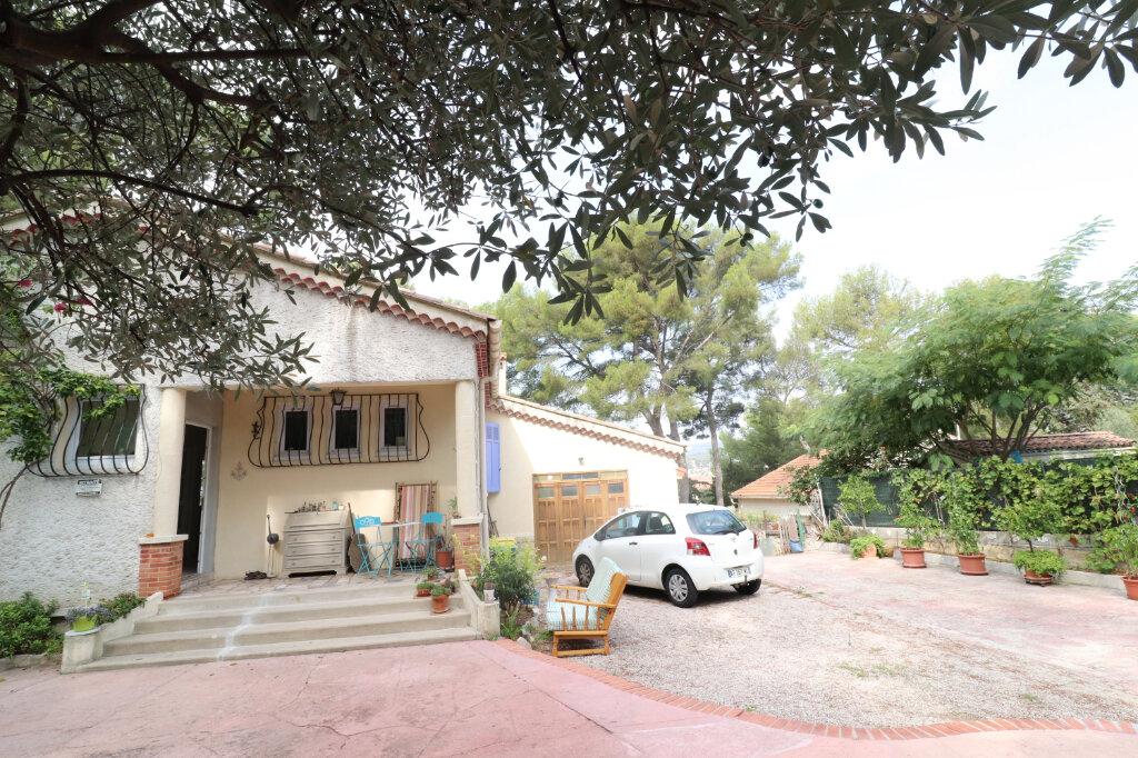 Maison à vendre 6 211m2 à La Ciotat vignette-2