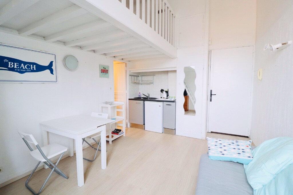 Appartement à vendre 1 30m2 à Saint-Cyr-sur-Mer vignette-2