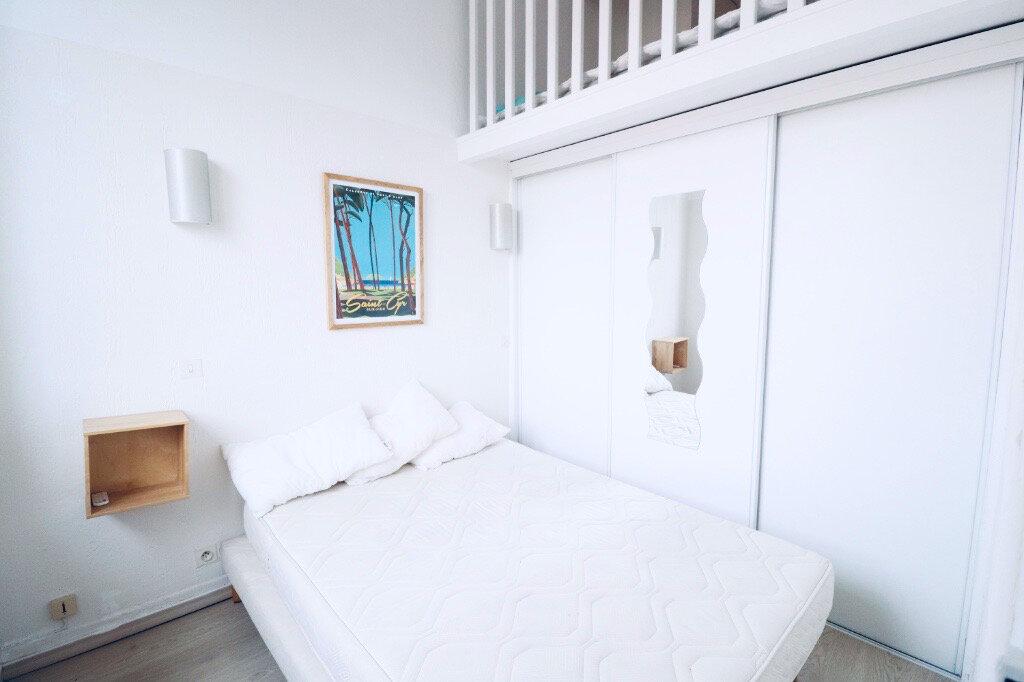 Appartement à vendre 1 30m2 à Saint-Cyr-sur-Mer vignette-3