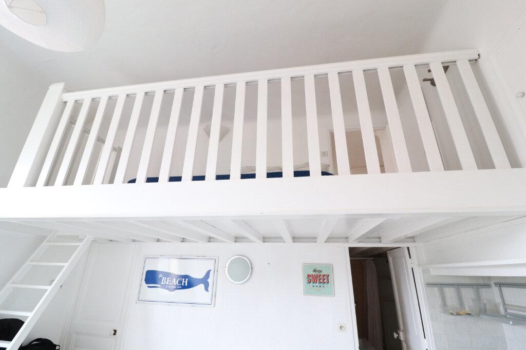 Appartement à vendre 1 30m2 à Saint-Cyr-sur-Mer vignette-5