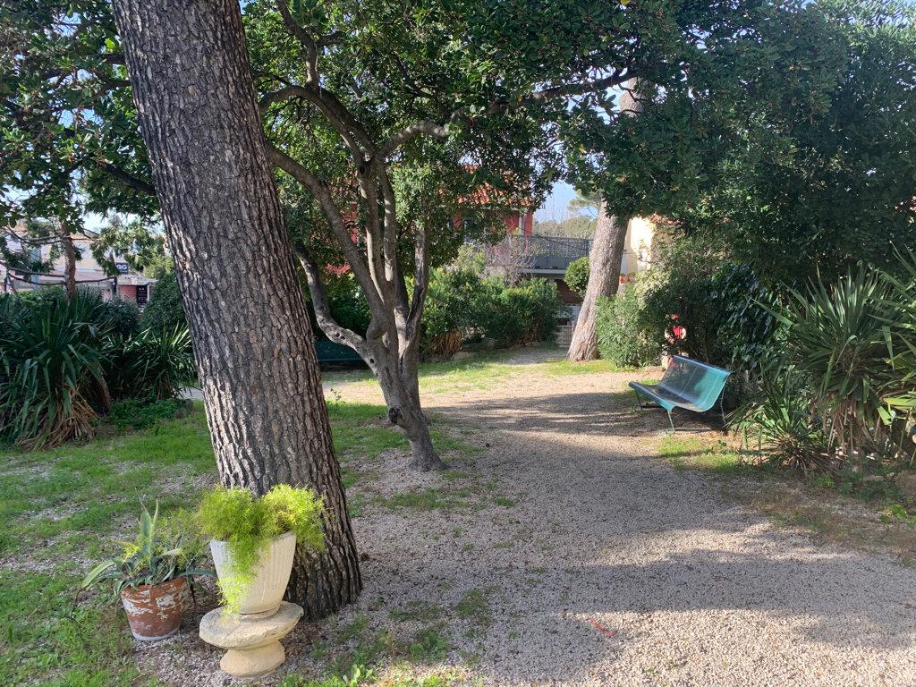 Appartement à vendre 1 30m2 à Saint-Cyr-sur-Mer vignette-7