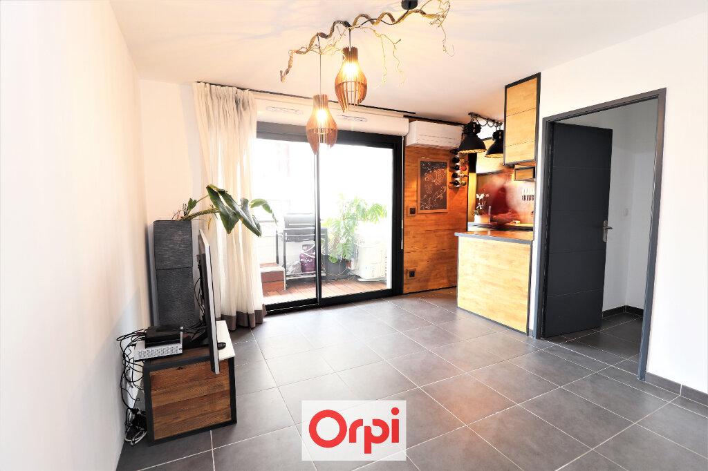 Appartement à vendre 3 55.84m2 à La Seyne-sur-Mer vignette-1