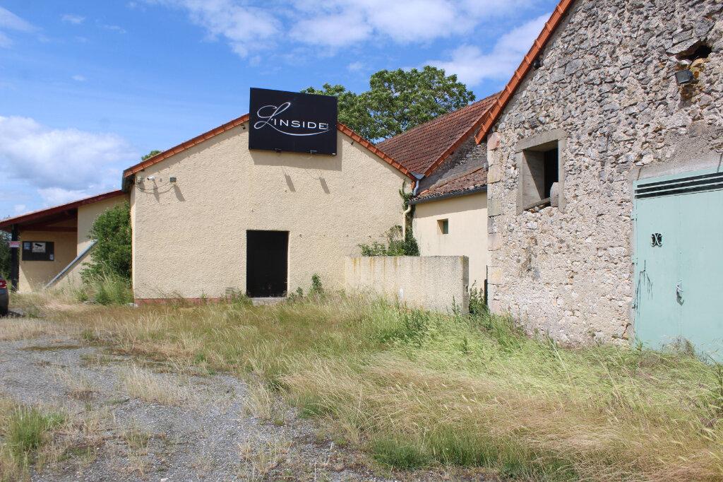 Maison à vendre 1 416m2 à Saint-Germain vignette-1